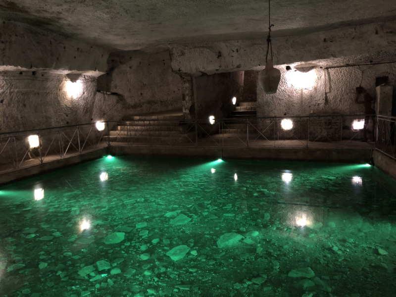 La piscina della galleria Borbonica