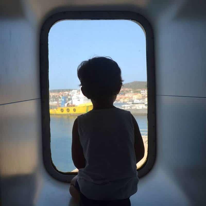 Bambini traghetto