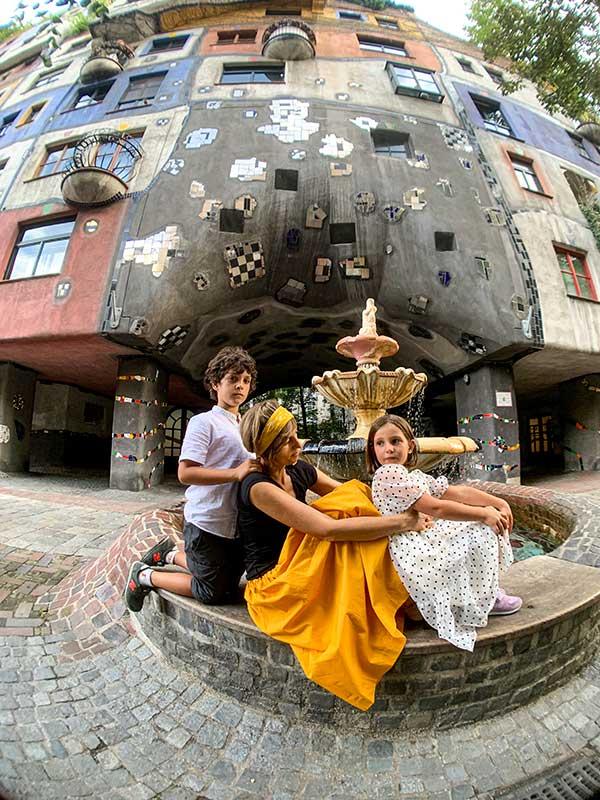 fontana case di Hundertwasser