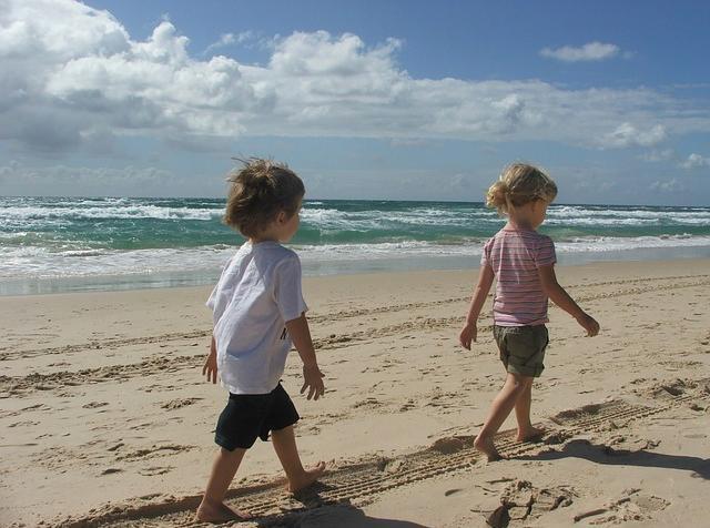 bambini mare spiaggia