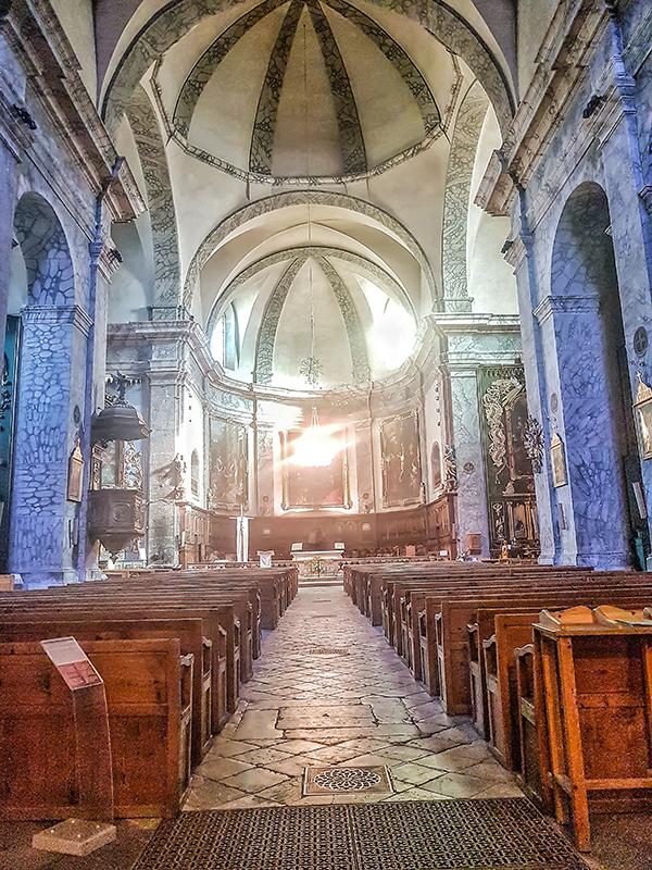 provenza chiesa