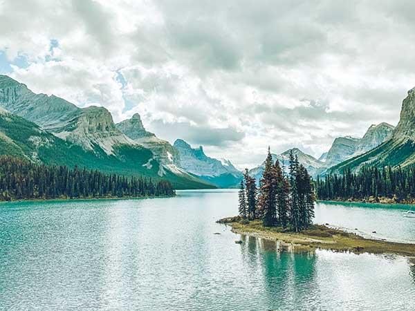 maligne lake spirit island Canada-2019