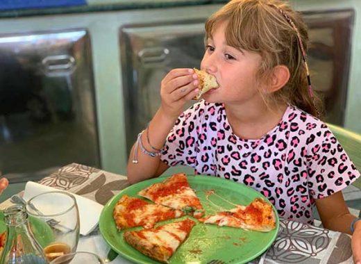 napoli con i bambini pizza