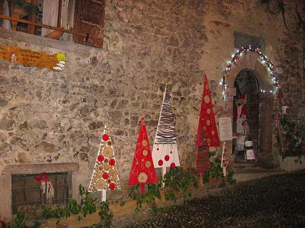 meratino natale decorazioni