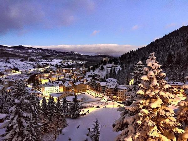roccaraso con la neve panoramica