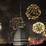 mole torino con fuochi d'artificio