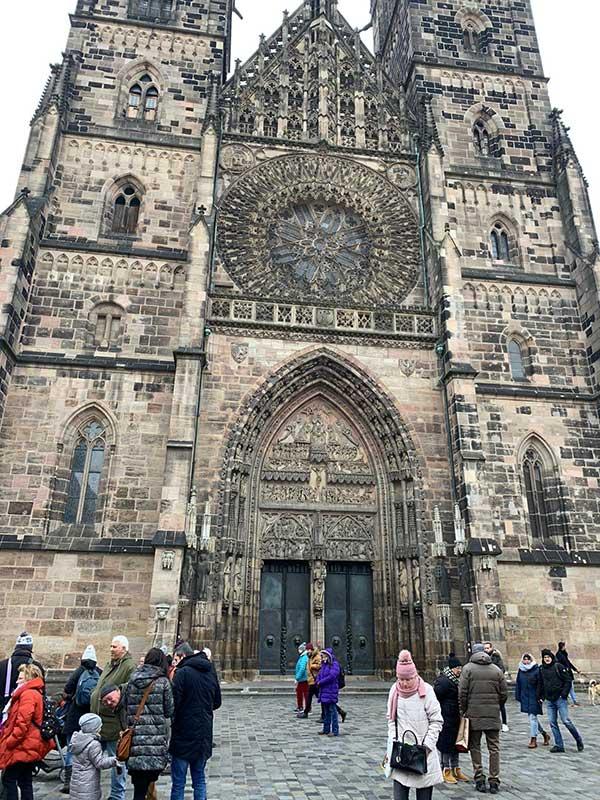 chiesa san lorenzo di Norimberga la facciata