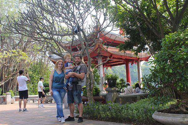 Vietnam goc Son Temple famiglia