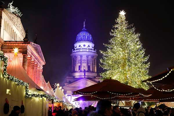Gendarmenmarkt con luci di natale