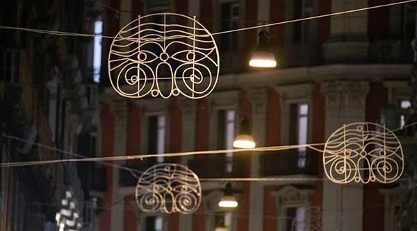 luci natale napoli maschera di pulcinella