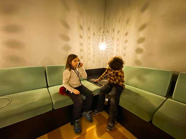 bambini ascoltano mozart