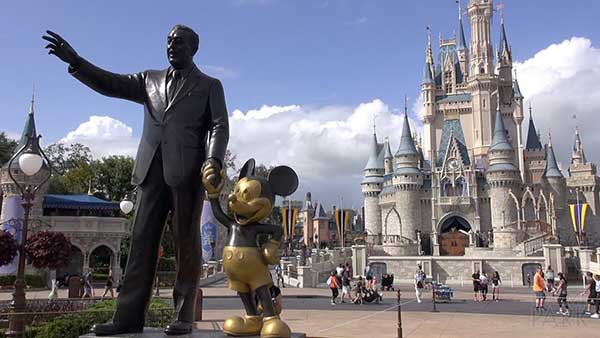 statua Walt disney con topolino a orlando