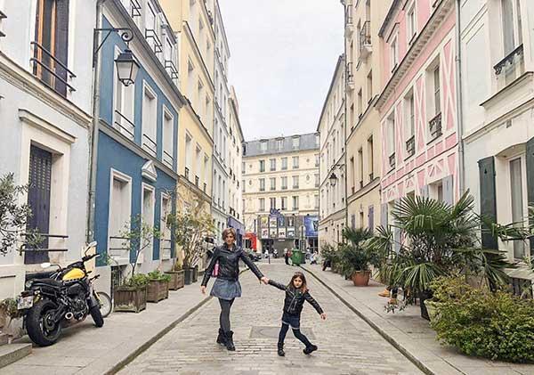 Rue Cremieux mamma e figlia