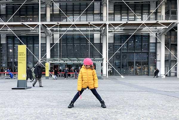 bambina centro Pompidou