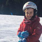 bambina sulla neve
