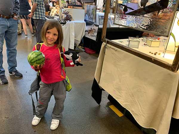 bambina con anguria