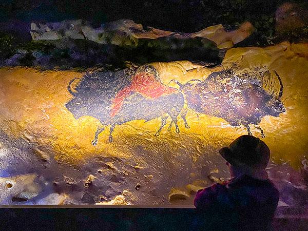 grotta di lescaux pitture rupestri bambina