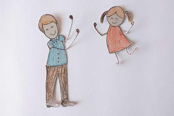 disegno papà bambina di carta