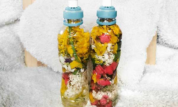 bottiglie con fiori