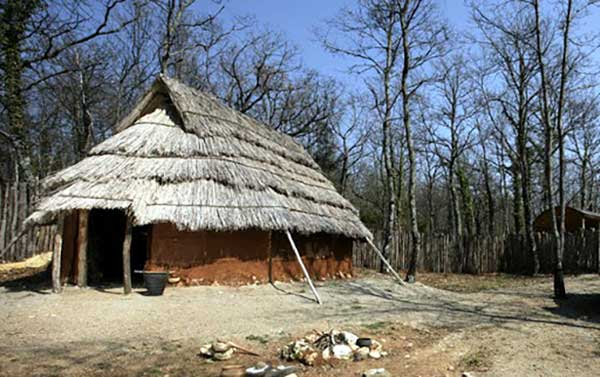 villaggio preistorico capanna