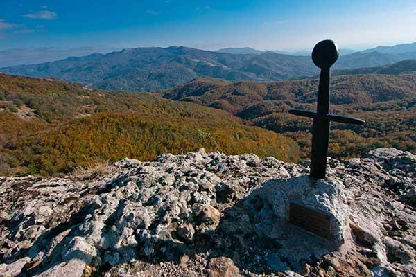 spada nella roccia in Liguria