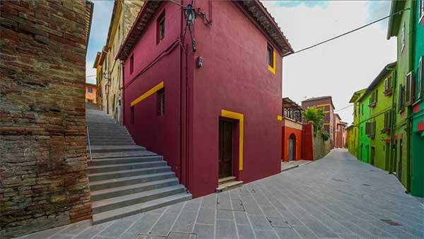 via di mezzo case colorate