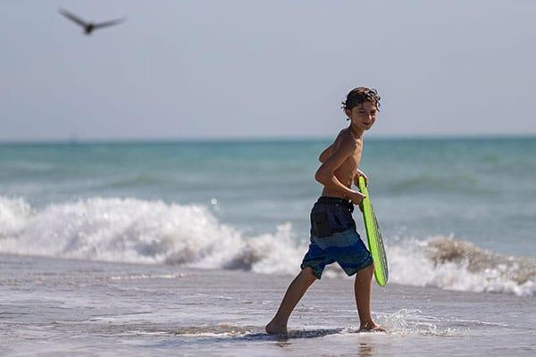 bambino al mare