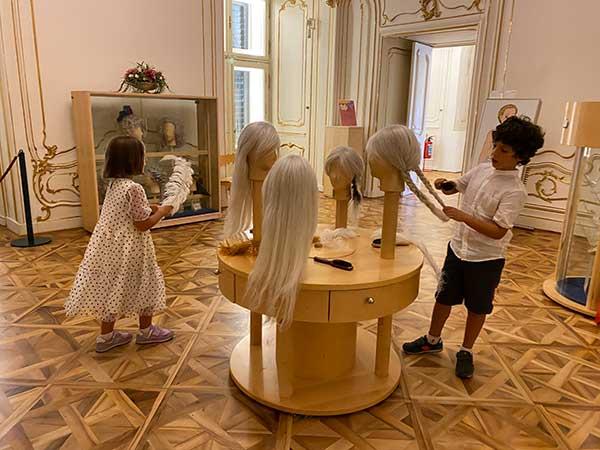 bambini in un museo a Vienna