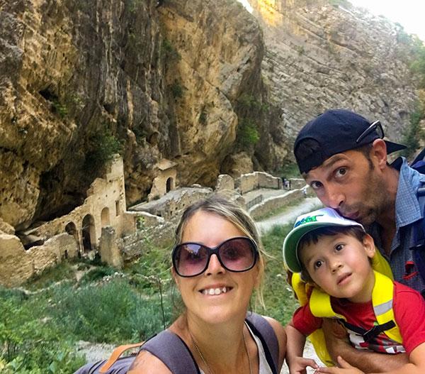 famiglia resti monastero