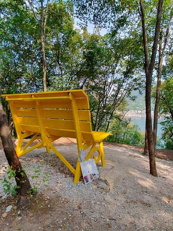 panchina gigante San Felice del Benaco sul lago di Garda-