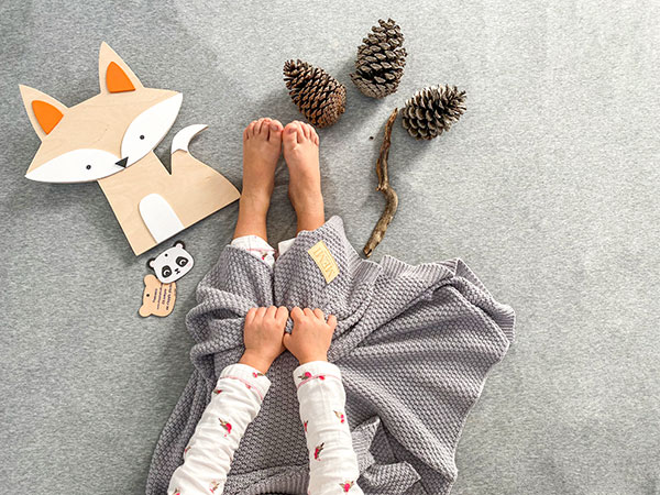 piedi bambin coperta